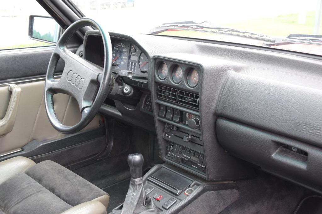 Sport Quattro interior
