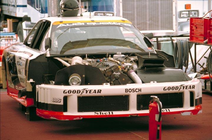 Audi 90 IMSA GTO service